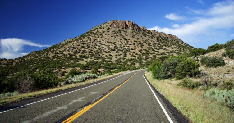 Conduciendo el sendero turquesa en Nuevo México