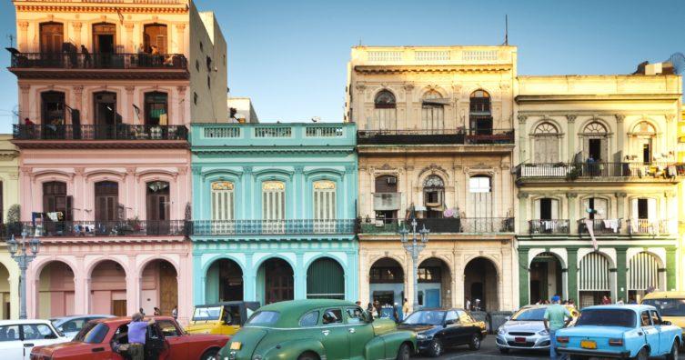 Nuevas reglas de viaje a Cuba llevan a los estadounidenses un paso más cerca