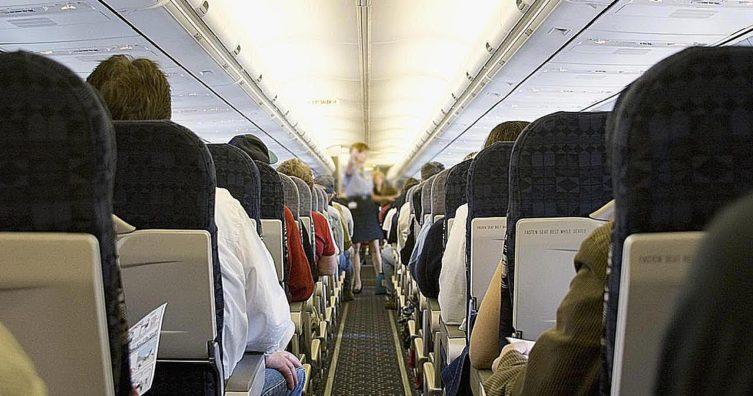 ¿Qué sucede cuando alguien muere durante un vuelo?