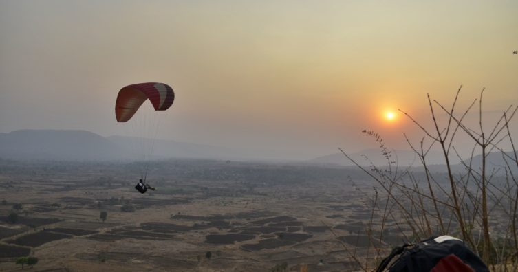 Practica parapente en India con Nirvana Adventures