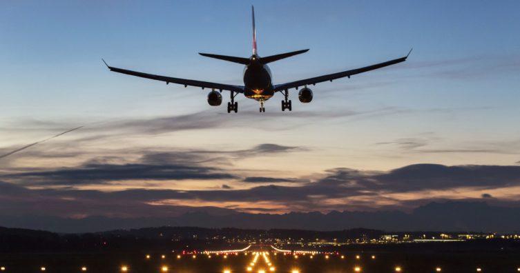 7 estafas de viaje en línea comunes y cómo evitarlas