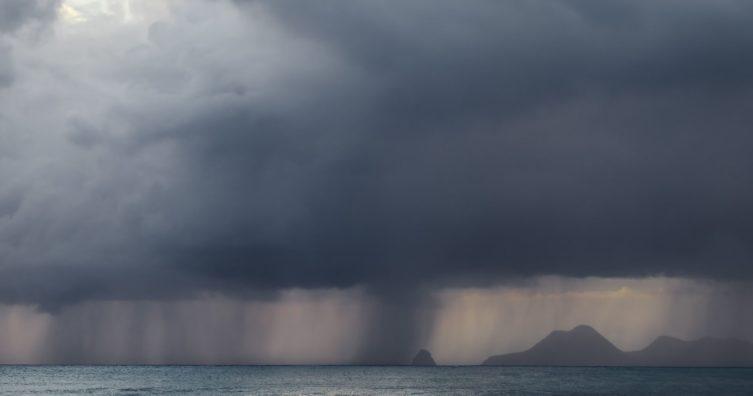 Cómo los vientos alisios afectan el clima de vacaciones en el Caribe